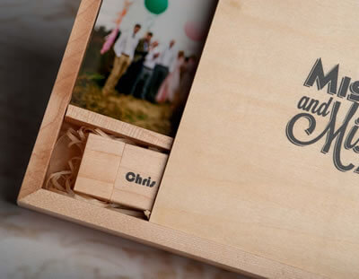 Affordable wooden print and USB boxes for photographers