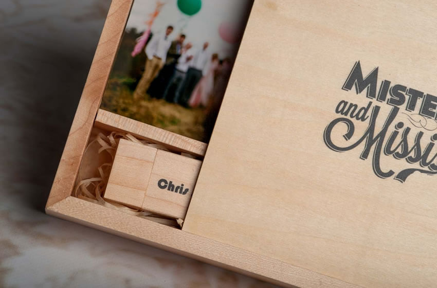 Wood 4x6 Print And USB Flash Drive Presentation For